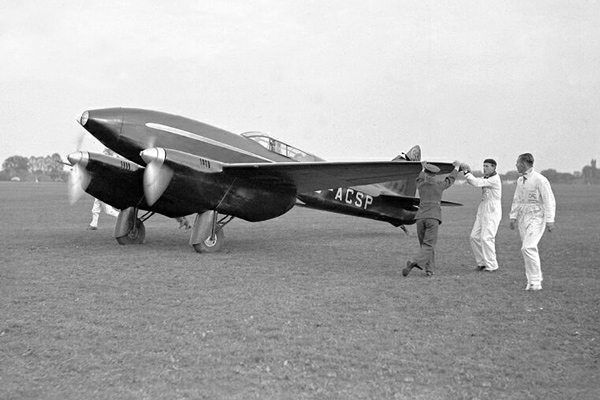 DH.88 Black Magic at Mildenhall